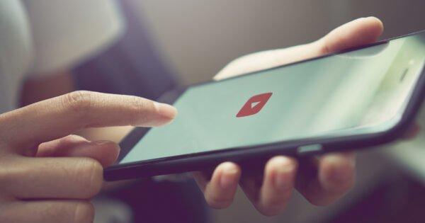 YouTube passa a restringir vídeos sobre a teoria da conspiração COVID-19/ 5G